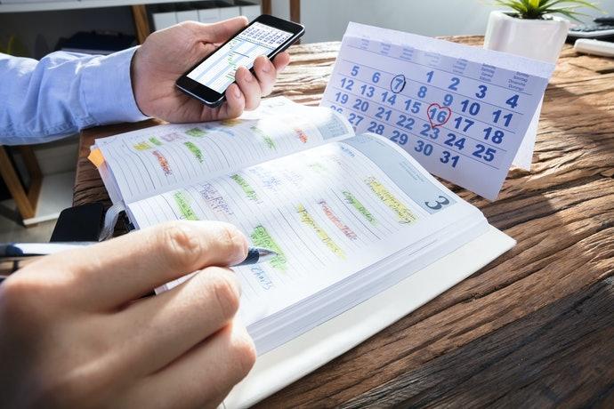 以手機、手帳為基準來挑選合適的「星期順序」