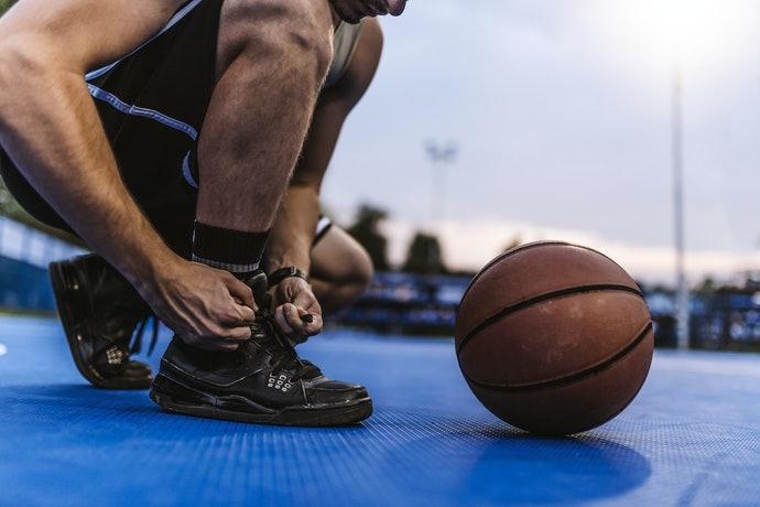 定期汰換籃球鞋維持運動表現