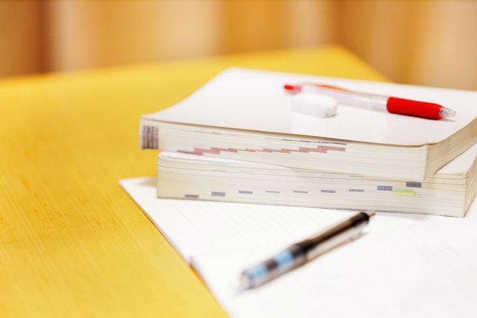 優先考慮收錄會考歷屆試題的參考書