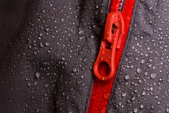防潑水加工:下雨淋濕也不怕