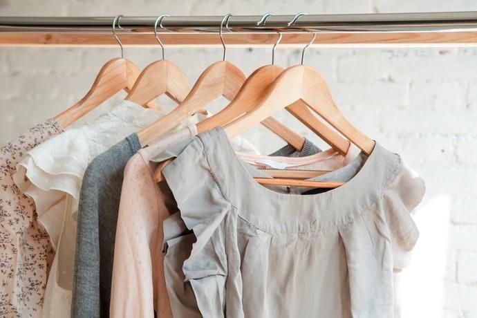 衣架尺寸應比衣服的肩寬小2~4cm