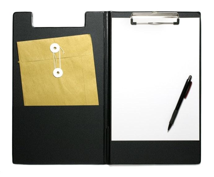 附筆夾或名片夾層有助於增加收納力