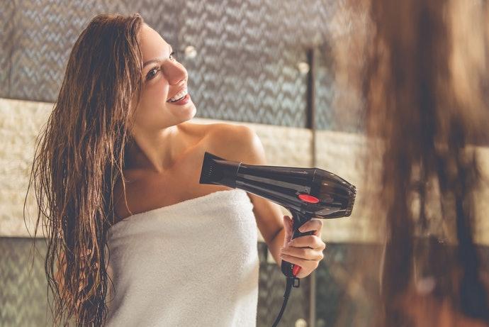 吹風機、整髮器:維護柔順秀髮