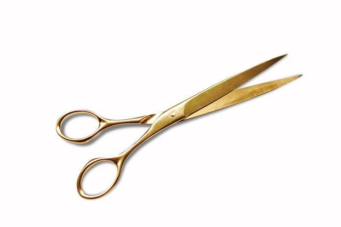 直線刀刃:適合用於紙雕、拼布等精密裁剪作業