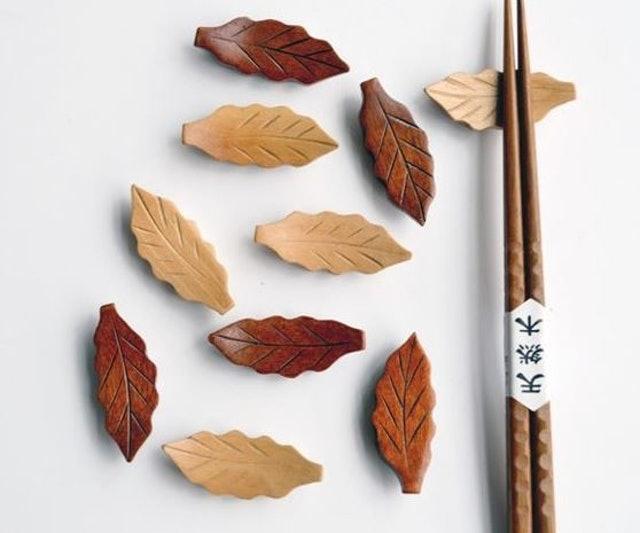 樹葉造型木質筷架 1