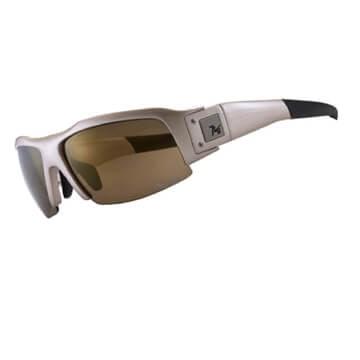 「棕色、褐色鏡片」:可濾除藍光保護雙眼