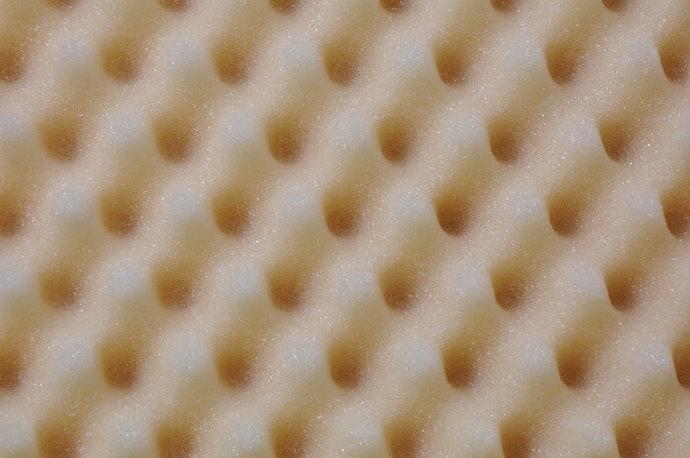 低反發/記憶泡棉材質