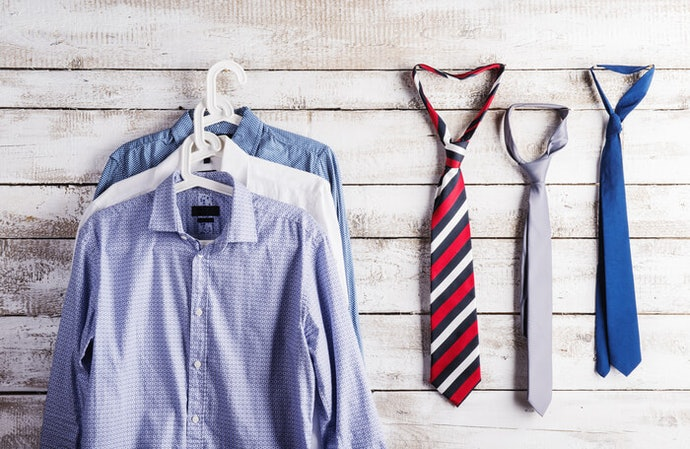 用領帶架把衣櫥變整齊吧