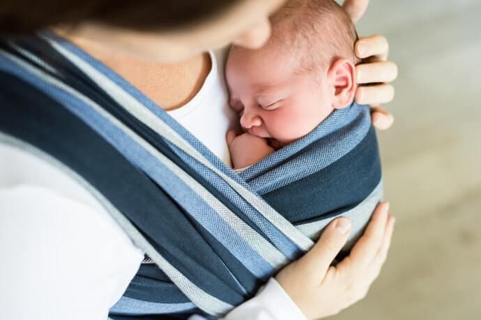 像媽媽子宮般安心的「環狀布質揹巾」
