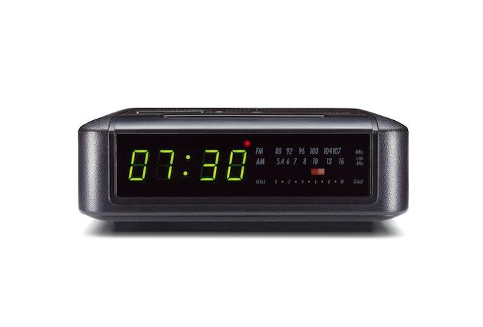能自動接收訊號並校正的便利電波鐘