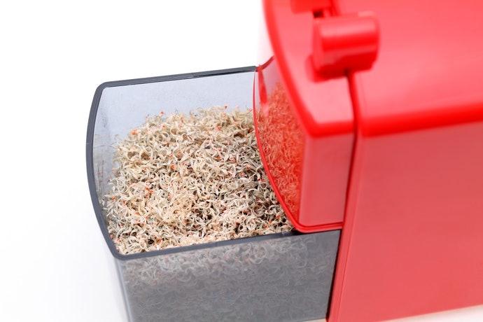 大容量或附防倒機能的集屑盒