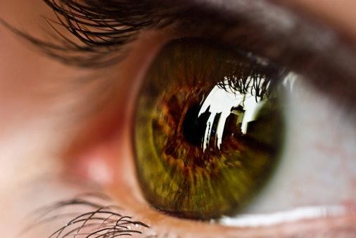 選擇適合自身眼球的「BC數值(鏡片弧度)」