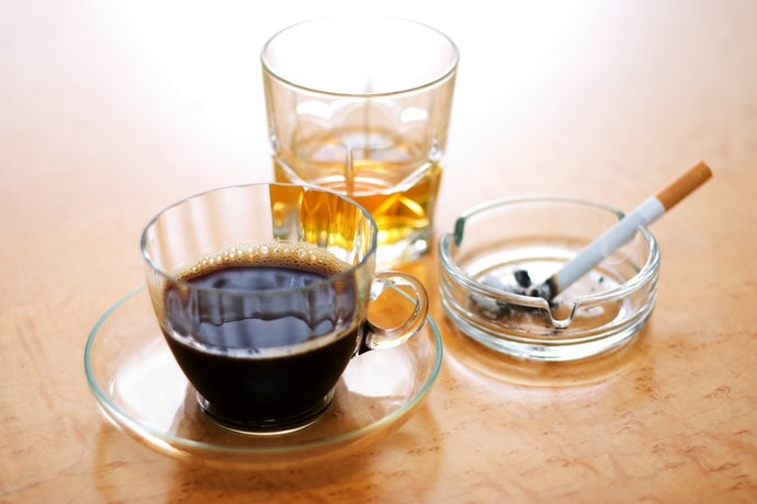 嚴禁酒精與咖啡因