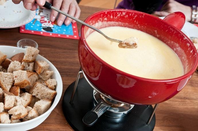 輕鬆享受樂趣的陶製起司鍋