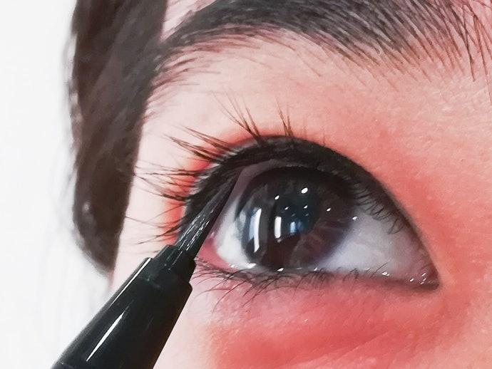 KATE 進化版持久液體眼線筆EX 2.0的使用方法