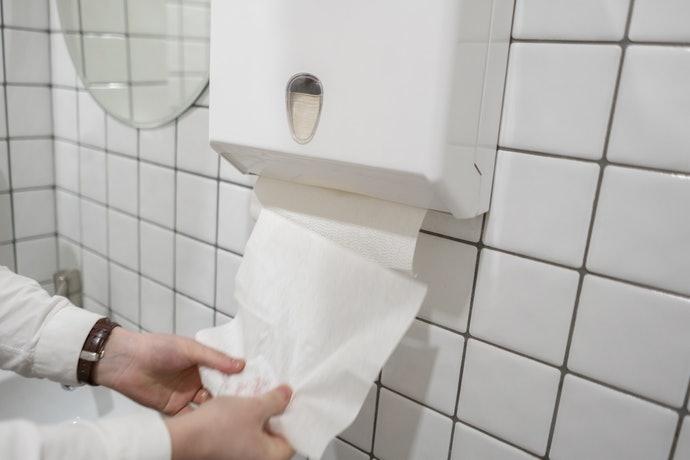紙巾架:易於拿取,適合長久使用