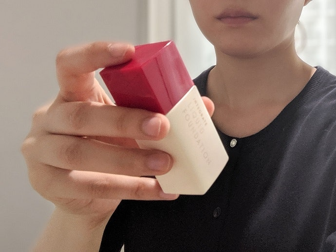 INTEGRATE 迷人光采粉底精華的使用方法