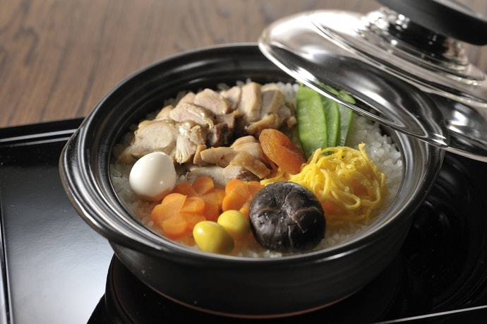 深鍋:雖不便於餐桌上分享,但很適合用於關東煮等湯多的料理